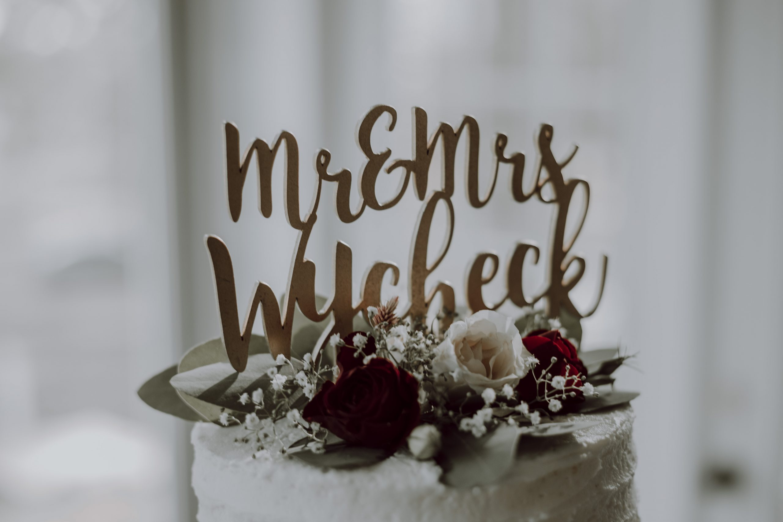 Mr. and Mrs. Wycheck chose a lovely topper. Captured by Lovefusion Photography at Stock's Manor in Mechanicsburg, PA. Featured on Dream Weddings.