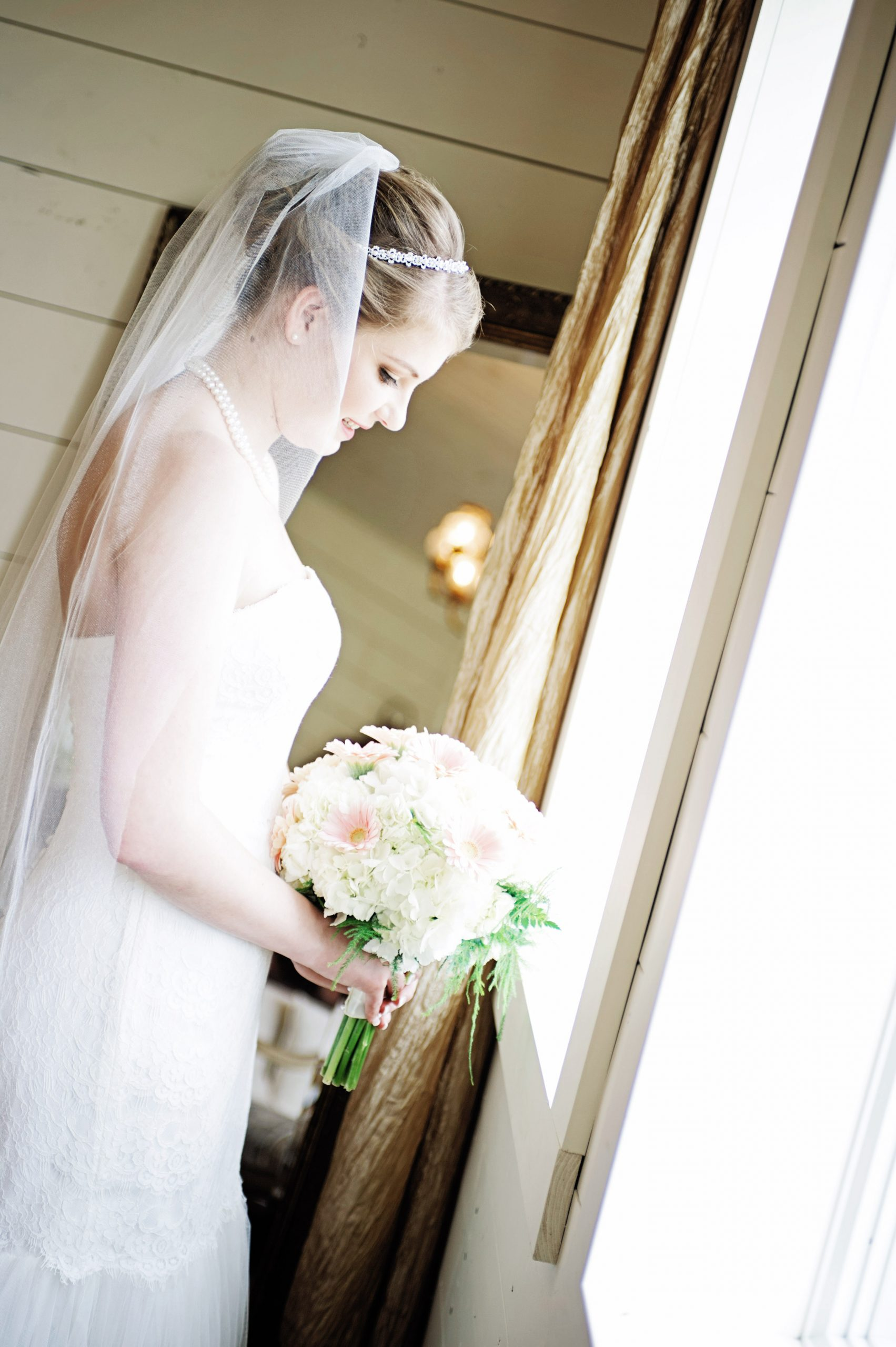 Bride, Kady, takes in her last few minutes of being unwedded as Kelsey Kinard of Lovefusion Photography captures this amazing moment at Lakeview Farms of York, PA. Featured in Dream Weddings.