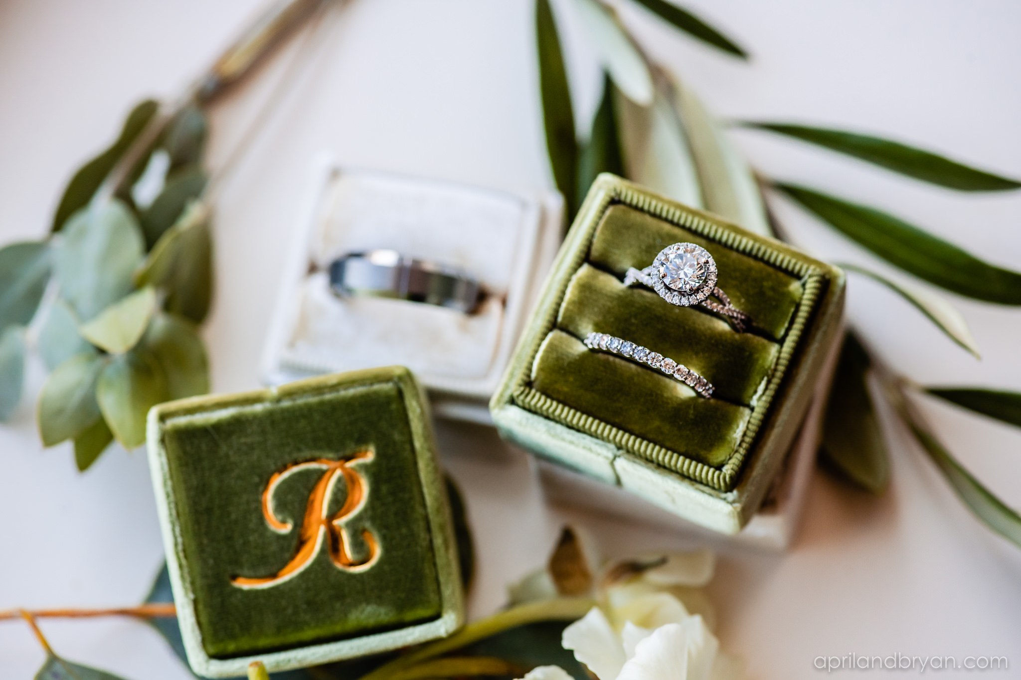 Lovely earth tones in velvet encase the wedding rings at Franklin Institute, Philadelphia. Gorgeous photo by April & Bryan Photography. Featured on Dream Weddings.