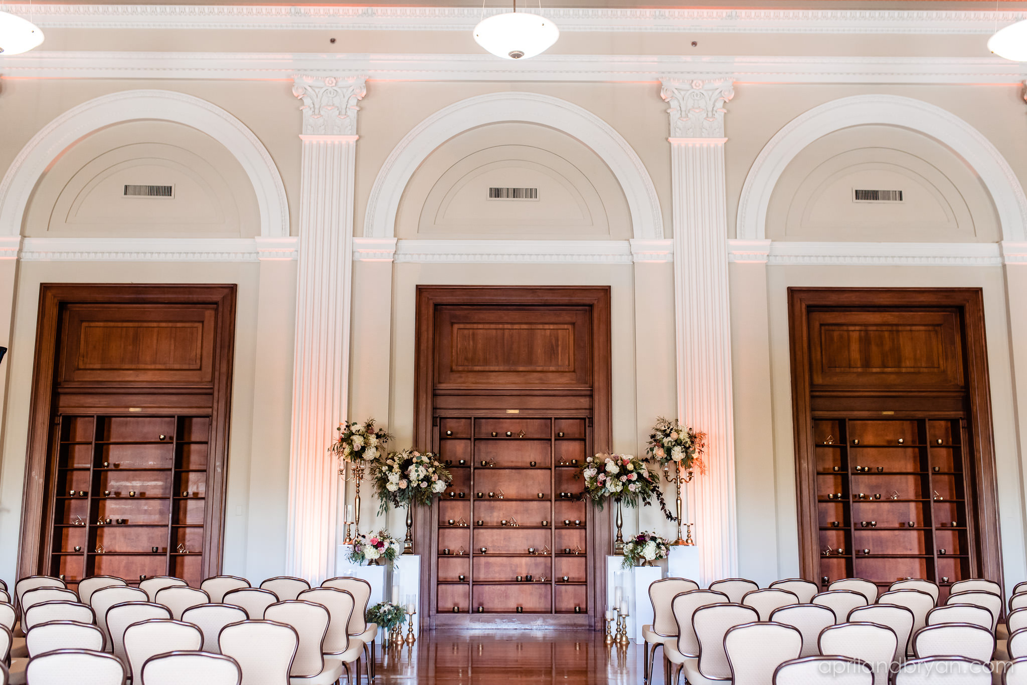 The Franklin Institute served as the perfect venue for April & bRyan Photography to take some amazing shots. Featured on Dream Weddings.